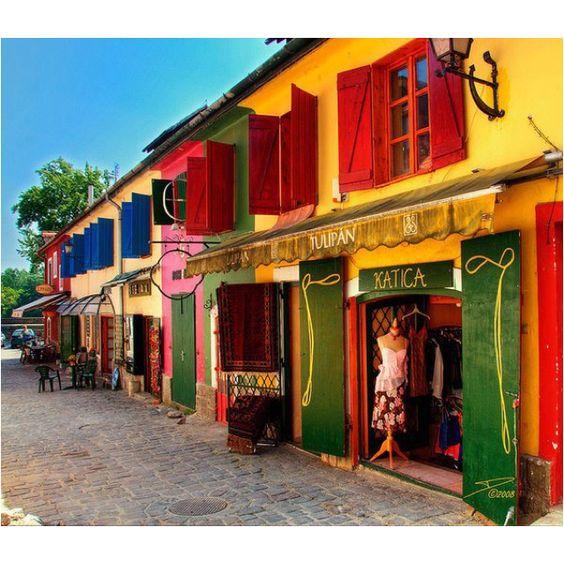 Fényűző luxus, a kultúra városában, Szentendrén