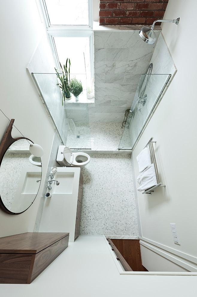 Lehet a kis fürdőszoba is kényelmes